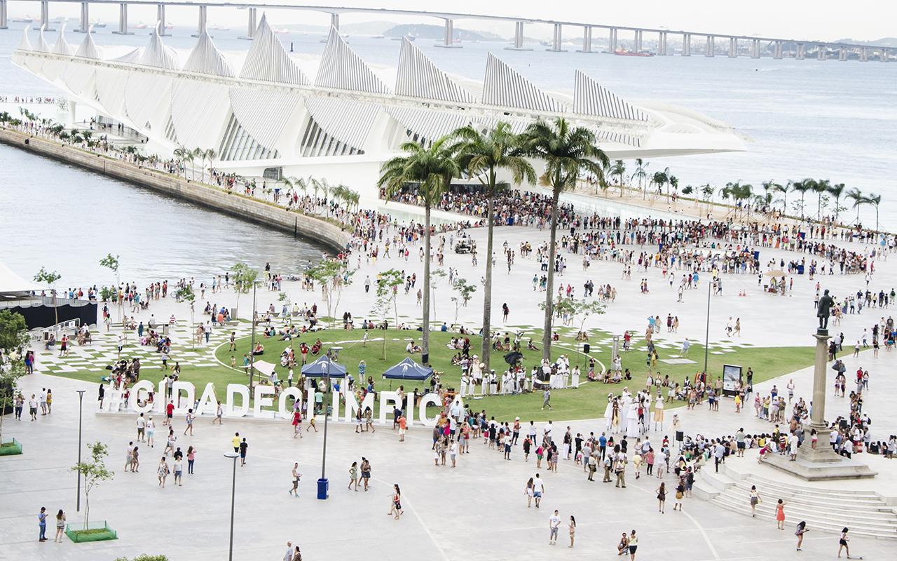 A Praça Mauá, com o Museu do Amanhã ao fundo / Foto: Byron Prujansky - Museu do Amanhã