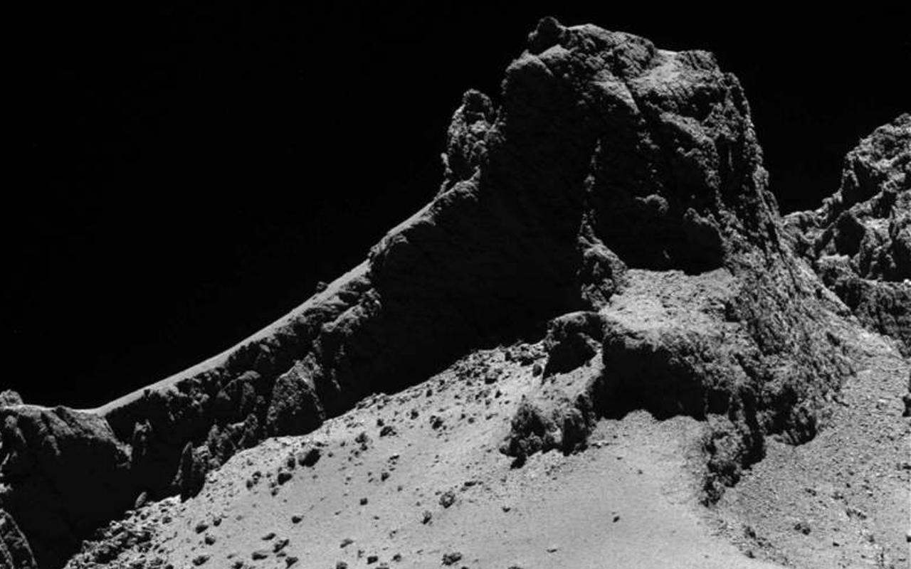 Foto em preto e branco do cometa 67P/ Churyumov-Gerasimenko