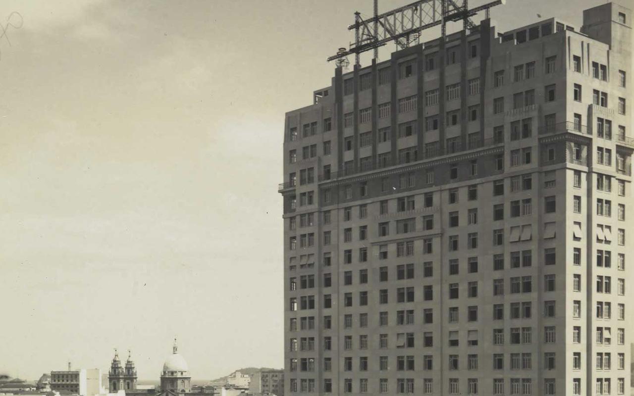 O edifício 'A Noite', o primeiro arranha-céu do Brasil / Foto: Biblioteca Nacional