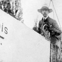 Santos Dumont e seu 14 Bis