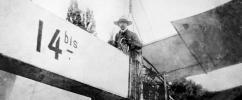 Santos Dumont em seu avião 14 Bis